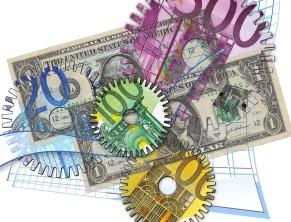 Валюта (доллары и евро)